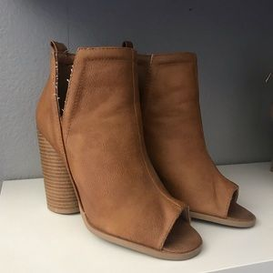 Peep toe booties size 6